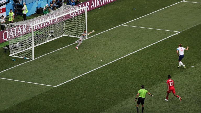 Inglaterra aplica goleada e se classifica para mata-mata