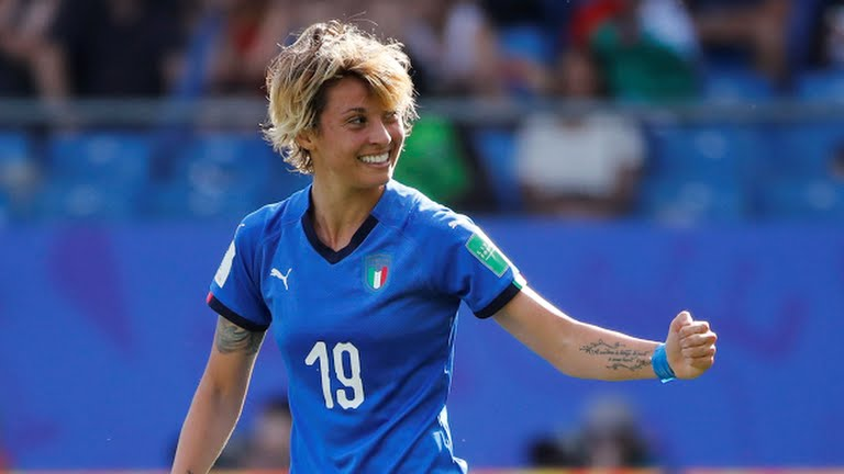 Giacinti anotó el 1-0 de Italia ante China en el Mundial Femenino 2019