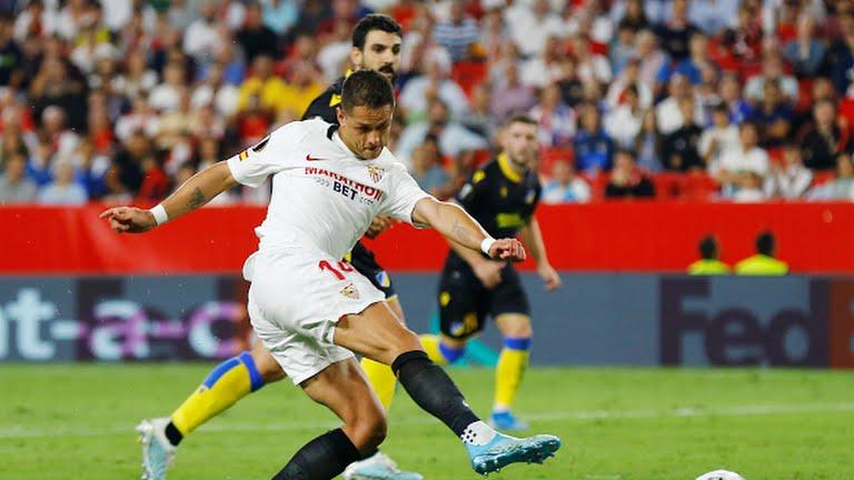 Javier Hernández Balcázar, Sevilla