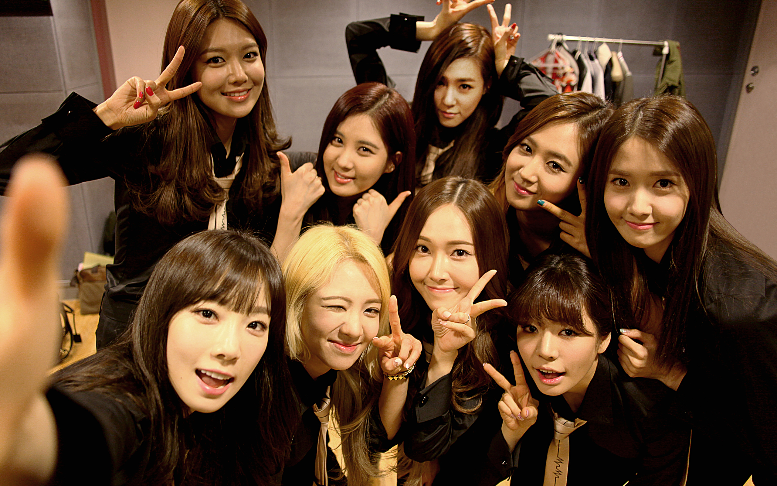 Google themes kpop - Girls Generation A First In Kpop Artists Makes It To The Top Trending Themes For Google S New Feature Gmail Shelfie